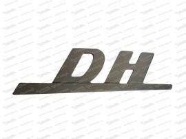Schriftzug: DH